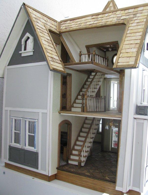 Fairfield Roof And Trim Jenn S Mini Worlds A Dollhouse