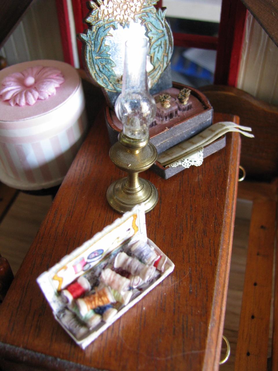 Lisa S Country Antiques Jenn S Mini Worlds A Dollhouse