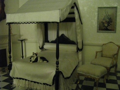 bandwbedchair